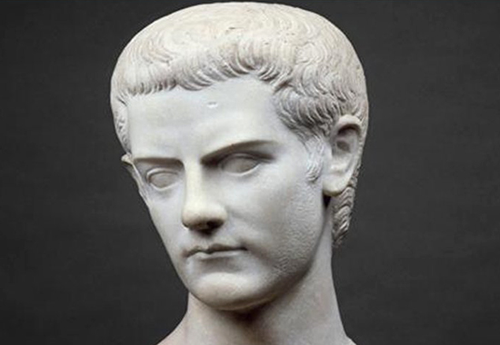 caligula estatua