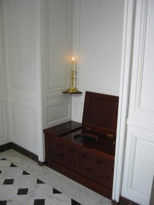 kings toilet off the private study