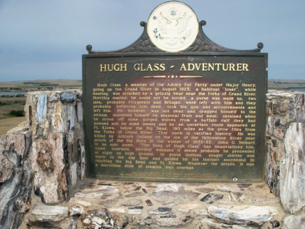 Placa homenaje a Hugh Glass
